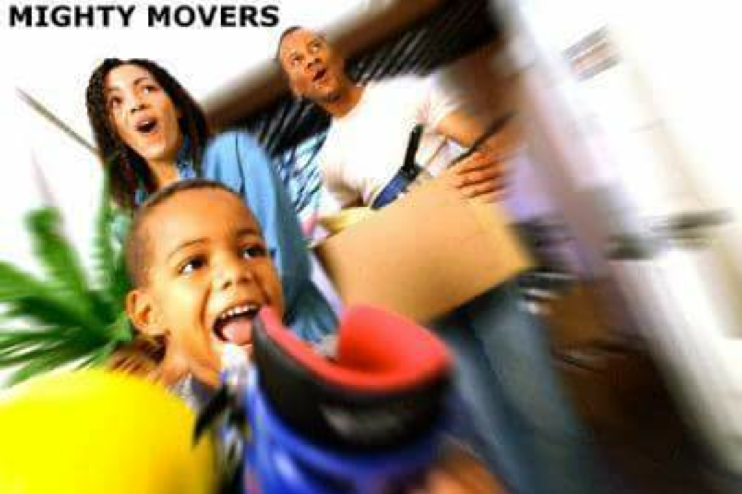 pic of family moving or packing for movers tulsa